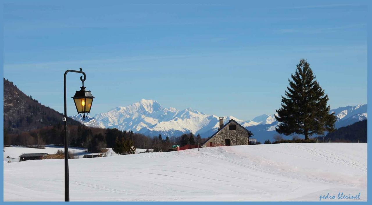 Mont-Blanc vu du Désert